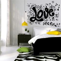 "Стикер""Love"" с орнаменти"