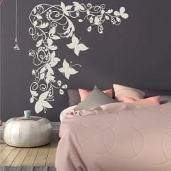 Флорален орнамент с пеперуди